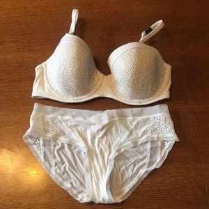 Body By Victoria's Secret Set